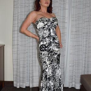 XScape Black & White Gown Absolutely Gorgeous sz 8